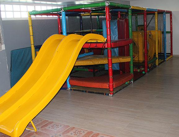 En Ibime tenemos una área de Juegos Infantiles para los más pequeños de nivel Preescolar