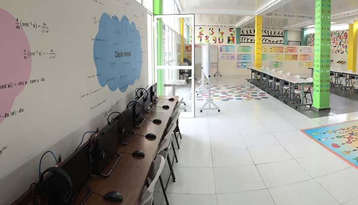 Salón con Computadoras Scherzer